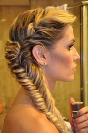 """Свадебные прически с косой на длинные волосы, прическа для невесты на основе косы """"рыбий хвост"""""""