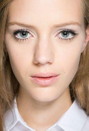 Макияж для русых волос и серых глаз, макияж на 1 сентября для светлой кожи и светлых волос
