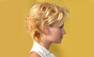 Прически для круглого лица на короткие волосы, модная прическа для коротких волос - кудрявая укладка