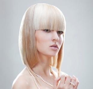 Белый цвет волос на средние волосы, стильное каре на средние волосы