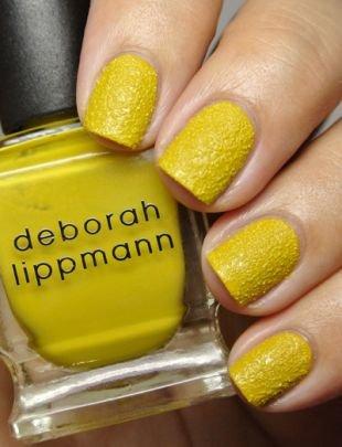 Бархатные рисунки на ногтях, желтый песочный маникюр