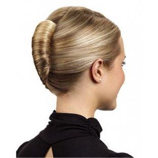 """Прически в стиле 60 х годов, строгая прическа на средние волосы """"французский твист"""""""