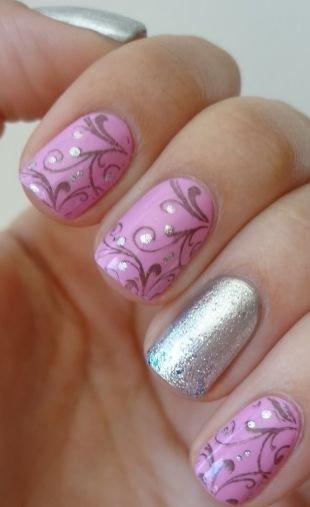 Комбинированный маникюр, маникюр в розовых тонах с орнаментом