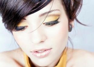 Макияж под желтое платье, осенний макияж с желтыми тенями