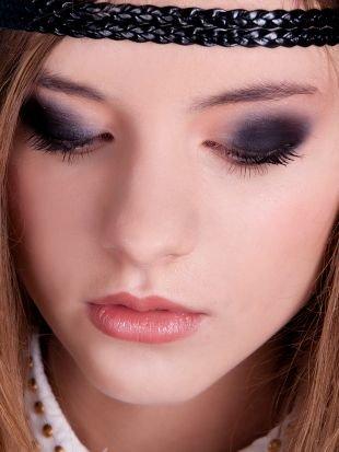 Яркий макияж для серых глаз, насыщенный макияж смоки айс