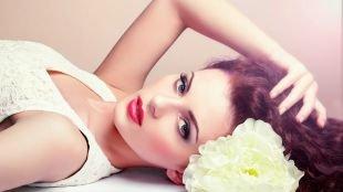 Свадебный макияж для круглого лица, макияж для голубых глаз с яркой помадой
