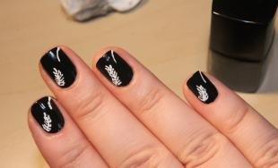 Рисунки с листьями на ногтях, черный маникюр с белыми рисунками