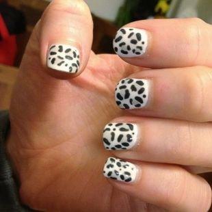 Черно-белый дизайн ногтей, пятнистый маникюр шеллак
