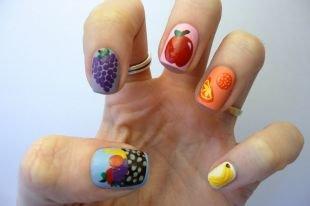 Маникюр на квадратные ногти, интересный маникюр с фруктами
