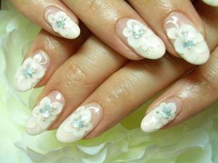 Дизайн нарощенных ногтей, свадебный маникюр с белыми цветами