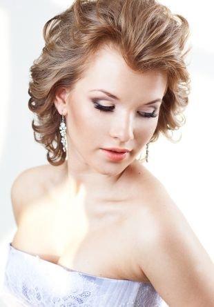 Прически с локонами на короткие волосы, легкая свадебная прическа на короткие волосы