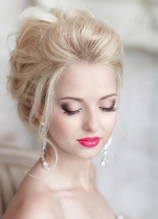 Свадебный макияж для серо-голубых глаз, свадебный макияж с розовой помадой