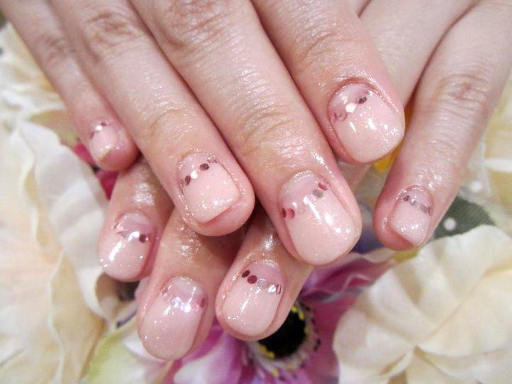 Французский маникюр (френч) на коротких ногтях, фото 4