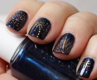 Дизайн ногтей с блестками, салют на ногтях