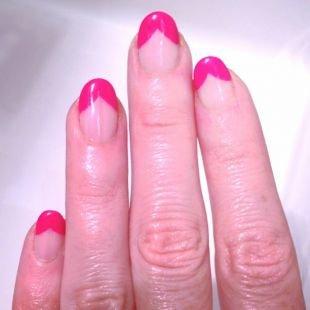 """Простой дизайн ногтей, шеллак малиновый """"голливудский"""" френч"""