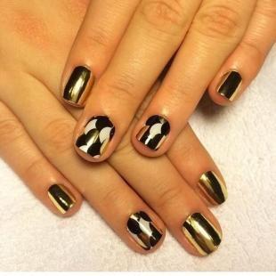 Дизайн ногтей с фольгой, трендовый маникюр с помощью фольги