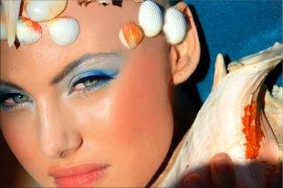 Макияж для голубых глаз с голубыми тенями, макияж для зеленых глаз