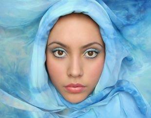 Макияж для карих глаз, яркий голубой арабский макияж