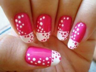 Красные ногти с рисунком, бело-розовый маникюр с точками