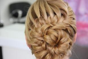 """Медовый цвет волос на длинные волосы, прическа с плетением """"цветок"""""""