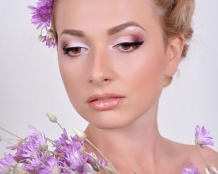 Свадебный макияж с фиолетовыми тенями, красивый свадебный макияж