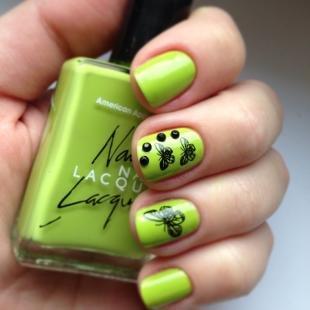 Маникюр с бабочками, салатовый дизайн ногтей с бабочками