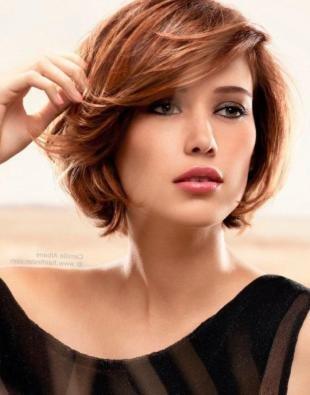 Коричнево рыжий цвет волос на средние волосы, модная стрижка для женщин 40 лет