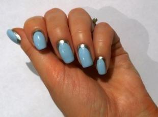 Модный маникюр, голубой лунный маникюр с использованием фольги