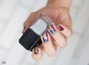 Современные рисунки на ногтях, обрезной маникюр на короткие ногти