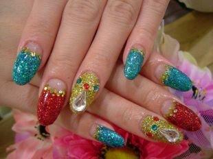 Дизайн ногтей жидкие камни, лунный яркий маникюр со стразами