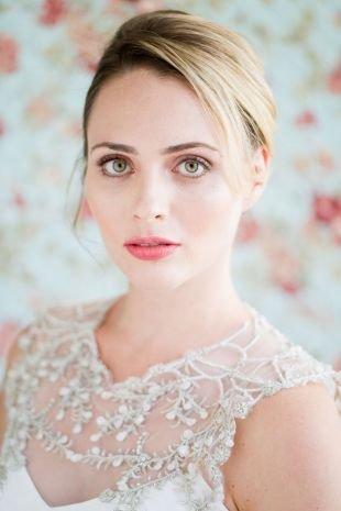 Макияж для бледной кожи, натуральный свадебный макияж для зеленых глаз