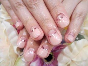Школьный маникюр на короткие ногти, французский маникюр (френч) на коротких ногтях, фото 4