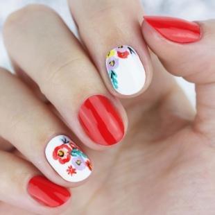 Коралловые ногти с рисунком, красно-белый дизайн ногтей с цветами