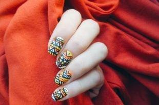"""Черный дизайн ногтей, маникюр в стиле """"мехенди"""""""