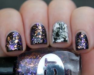 Рисунки паука на ногтях, маникюр с блестками на хэллоуин